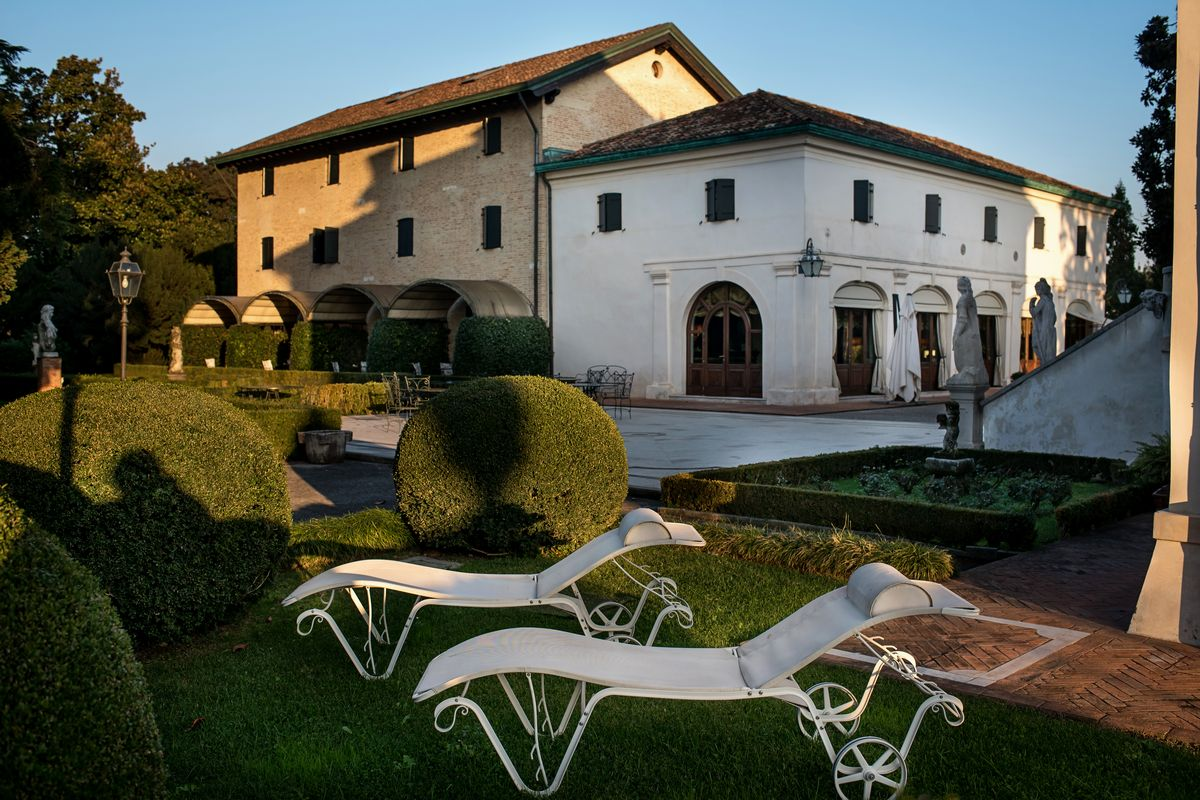 Villa Franceschi Hotel & Resort